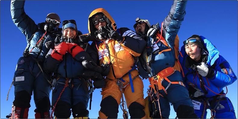「レイダー・ビバーク 9000」、日本からエベレストへ ~登頂成功~