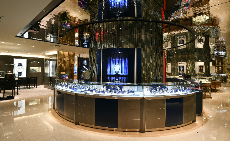 check out f0d03 a95be 伊勢丹新宿店本館5階=ウォッチ | ブランド腕時計の正規販売店 ...
